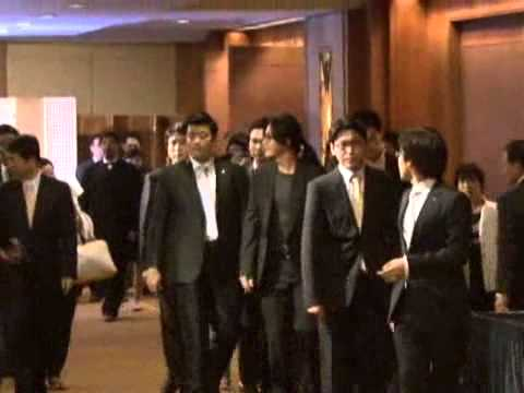 [donga]loyalty'Bae Yongjun',Friend attende the wedding(의리의 배용준,친구 결혼식'참석')