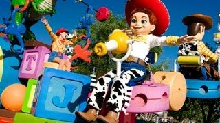 ♥♥ The Pixar Play Parade at California Adventure (in HD)