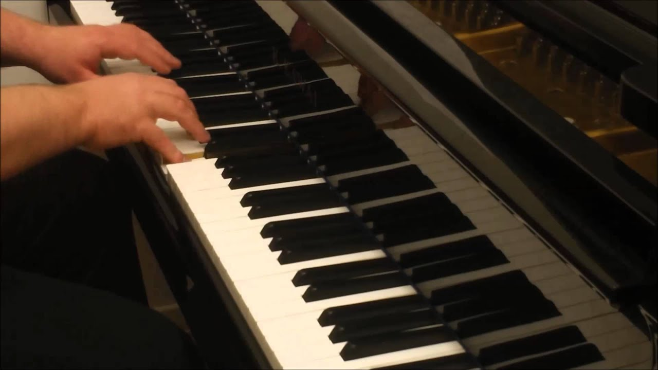 how to play rudolph on piano