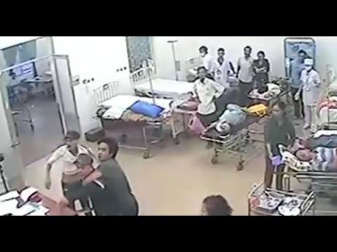 Phút hoảng loạn của bác sĩ, bệnh nhân khi côn đồ truy sát
