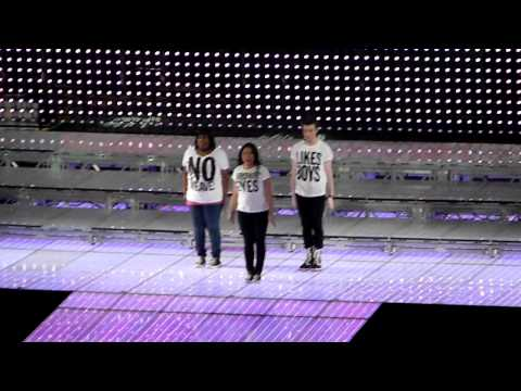 "Glee Live - Born This Way - Boston 6/7, Glee Cast singing ""Born This Way"" in Boston (TD Garden) 6/7/11"