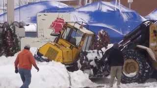 Stuck Snow Plow Rescue In Buffalo Lake Effect Snow Nov 2014