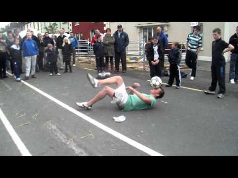 Jamie Knight + Philip Clarke - Football Freestyle Street Show