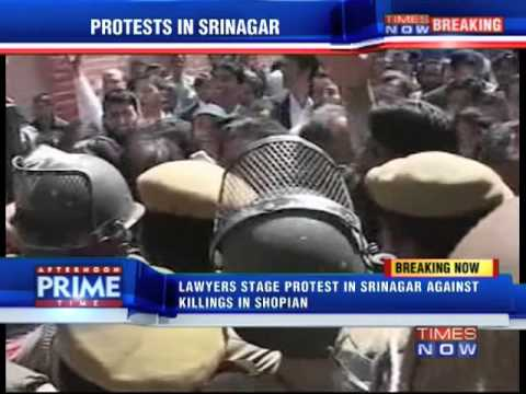 Lawyers stage protest in Srinagar