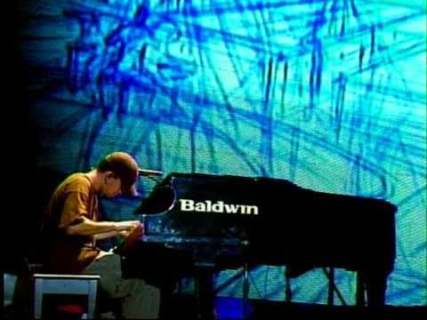 Linkin Park - 11 - Breaking The Habit (Projekt Revolution Camden 2004)