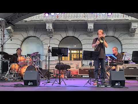 Mauro Pesenti Trio, Blusette