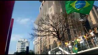 "Major Olimpio discursa e grita ""vergonha"" durante protesto pelo impeachment de Dilma na Paulista"