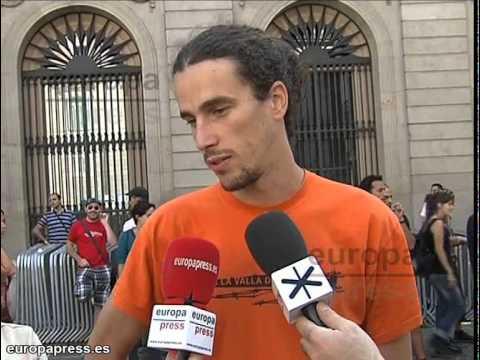 Antifascistas recorren las calles de Barcelona