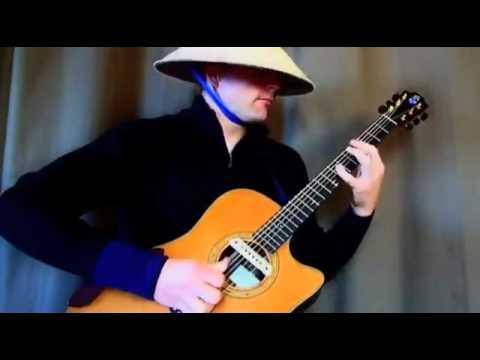 Clip đội nón lá, chơi nhạc sàn bằng guitar cực 'đỉnh'