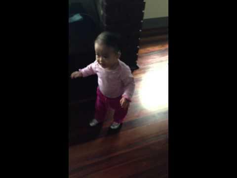 Baby dancing shoes bieu dien thoi trang thieu Nhi