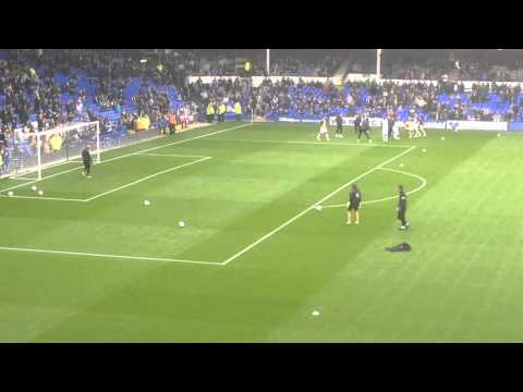 Tim Howard goalkeeper warm up before Everton vs Manchester