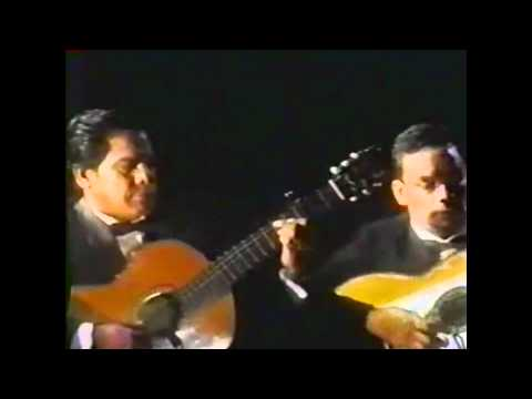 JULIO JARAMILLO - Cuando Llora mi guitarra (Compositor Augusto Polo Campos)