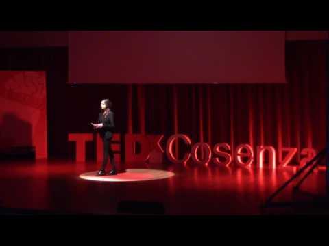 tutte le case che abitiamo | Sophia Luvarà | TEDxCosenza