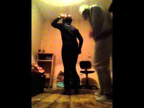 Kiki and cixy tekin the piss to harlem shake part 2
