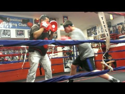 CASILLAS BOXING CLUB - WORKING IN THE GYM ..