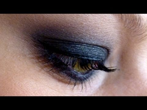 Dark Black Smokey Eye