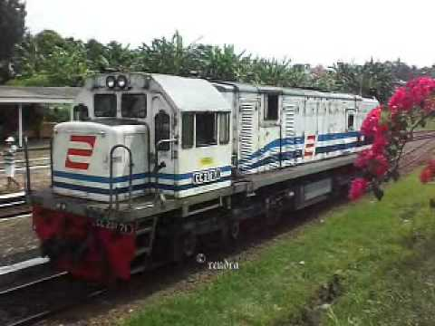 Railway Kereta Api : KA 1311 Ketelan at Bumiayu Station - YouTube