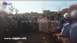 فيديو مؤثر ..لحظة دفن ضحايا فاجعة الصويرة بشيشاوة | خارج البلاطو