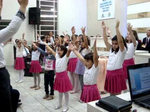 Coreografia Infantil do Hino: O Amor do Nosso Deus