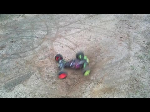 Losi XXX-T dose donuts with brushless setup High Volts RC
