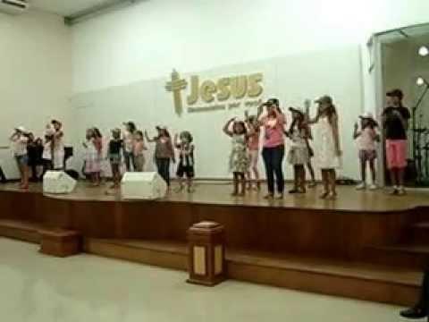Crianças cantando a verdadeira Pascoa!!!