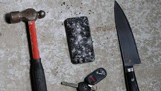خدش وضرب ايفون 6 بالمفاتيح والسكين والمطرقة { فيديو }
