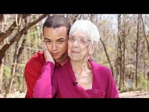 image Un homme de 31 ans aime faire des relations qu'avec les femmes âgées