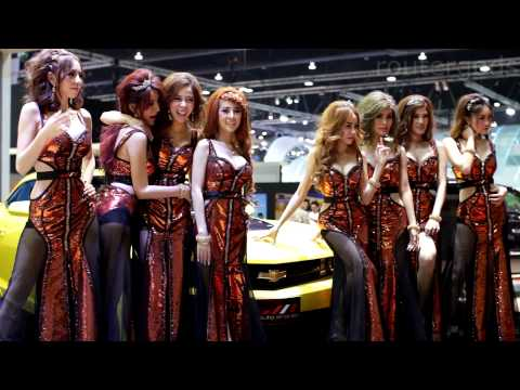 Bangkok Motor Show 2014 - Sexy Model avalanche at Wiz Auto Sales