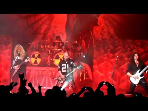 Megadeth - Rattlehead - Live - 2010 - With Kerry King Onstage