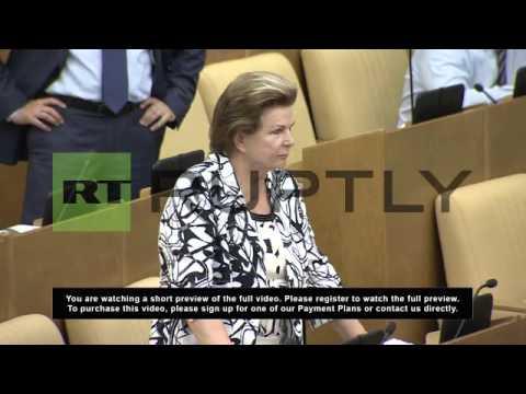 Russia: Duma approve same sex adoption ban