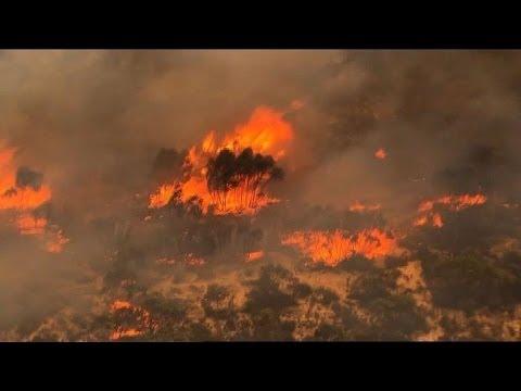 Australian fires turn deadly as heatwave scorches
