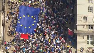 """100 ألف بريطاني يخرجون في مسيرة ضد """"بريكست"""""""