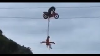 [A Bear riding a bike on a tight rope ??????????-China] Video