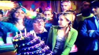 Nieidealna S03E07 Urodziny - Cz. 5 view on youtube.com tube online.