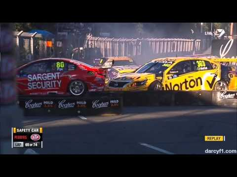 Moffat and Pye Crash @ 2013 V8 Supercars Sydney Race 1