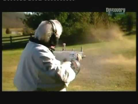 AA-12. World\'s deadliest shotgun!