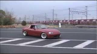 Mazda Roadster Rollin