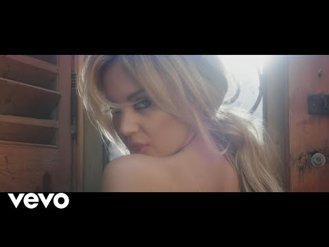 Samantha Jade - Shake That ft. Pitbull