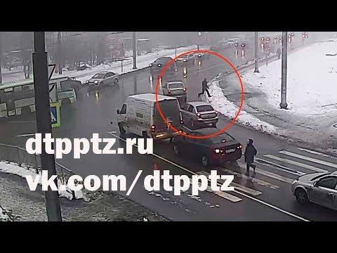 Внимание, розыск. На проспекте Александра Невского водитель внедорожника сбил насмерть пешехода