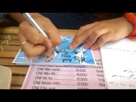 Phương Mỹ Chi ký tặng fan chữ viết cực đẹp!