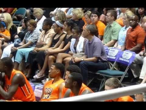 POTUS Obama and Family Enjoy a Basketball Game in Honolulu