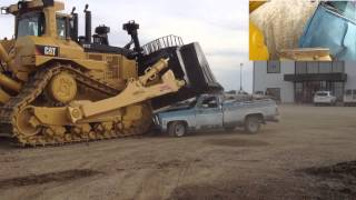 Crushing A Truck With a Caterpillar