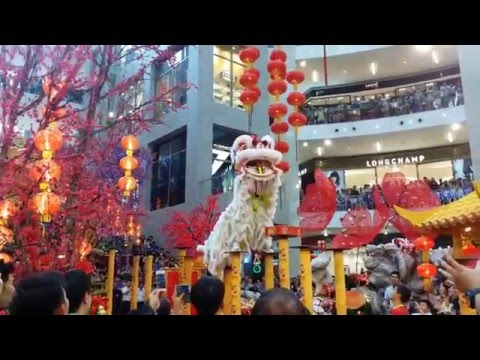 CNY 2014 ~ Acrobatic Lion Dance (Mua Lan) By Mantin Troupe @ Pavilion KL (4K video)