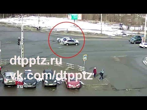 У Автовокзала столкнулись два автомобиля