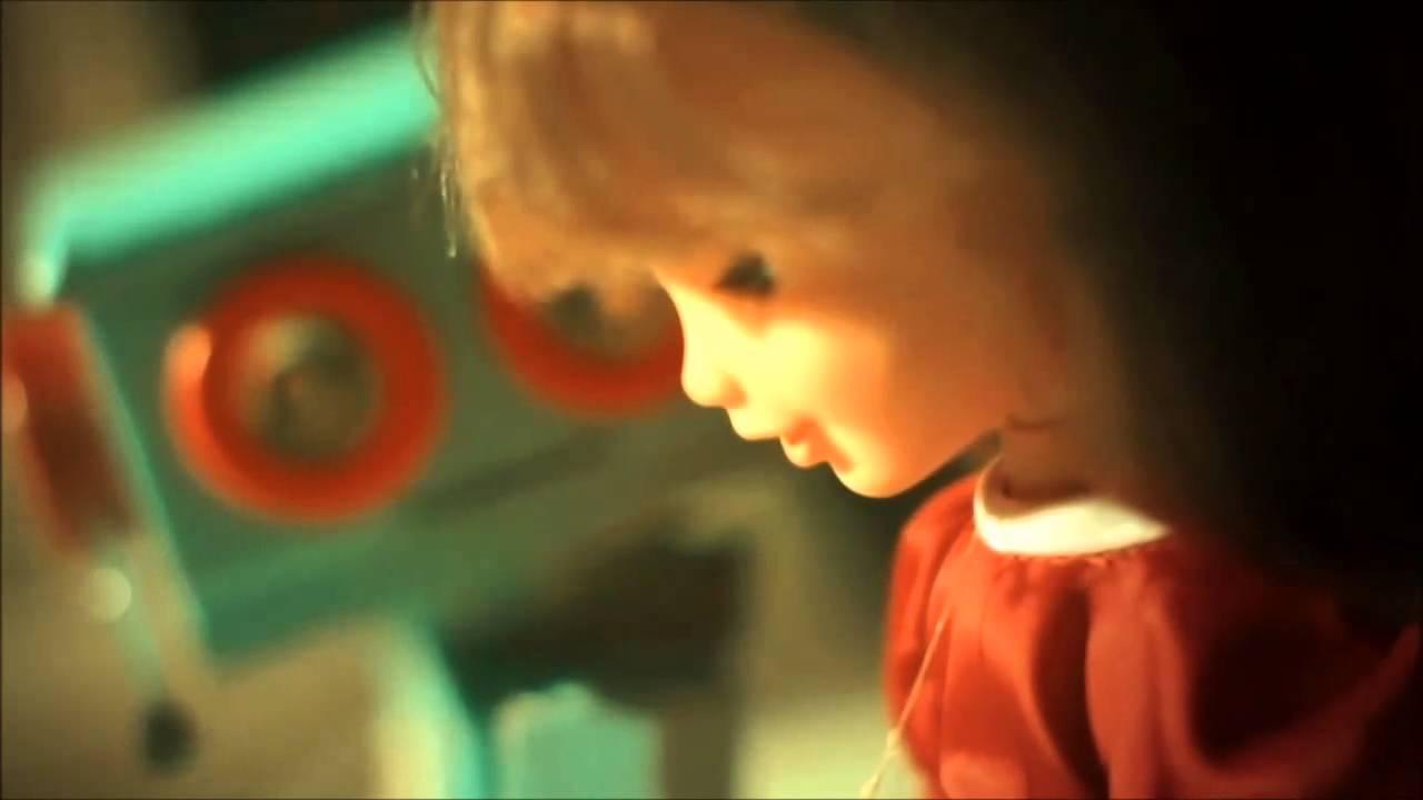 L'histoire d'amour improbable entre un robot et une poupée