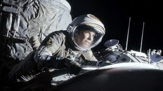 """NASA Astronaut Gives Sci-fi Movie """"Gravity"""" A T"""