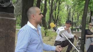Muncește în Irlanda și urmărește atent viața politică din Moldova