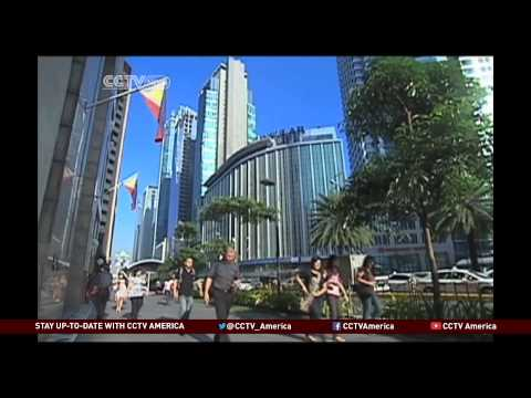 Long Lines of Job Seekers in the Philippines