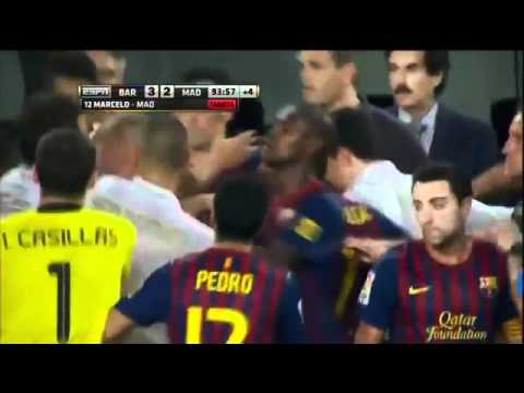 HD David Villa Heavily Slaps Mesut Ozil Özil Football Soccer Fight   YouTube