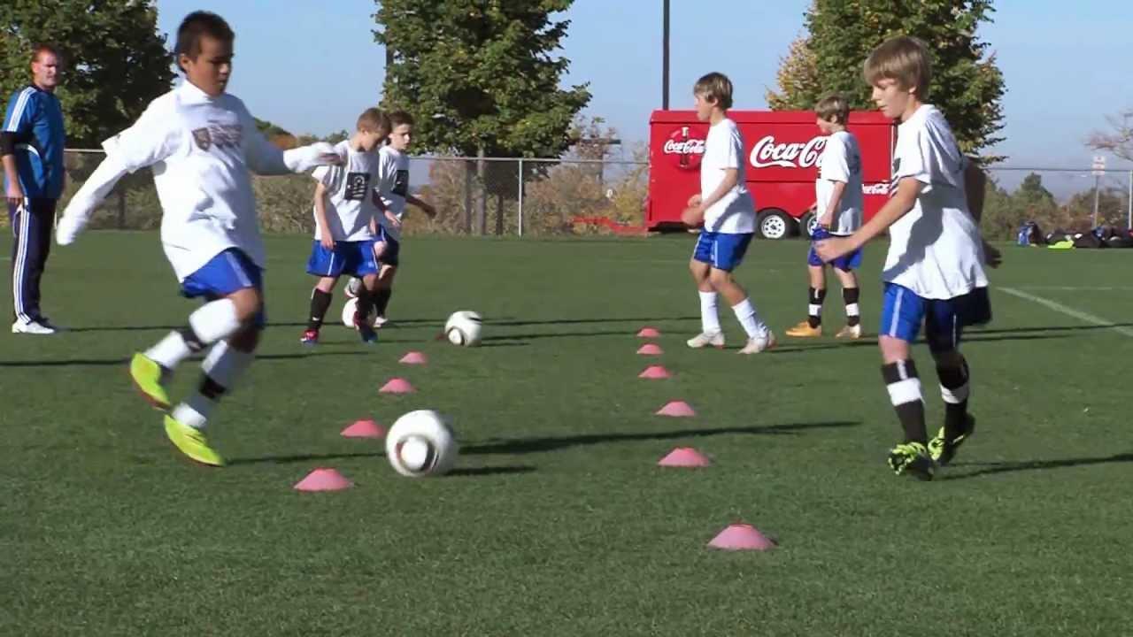 Soccer Backyard Drills : Passing+Soccer+Ball Soccer Training  Passing Drills 1  YouTube